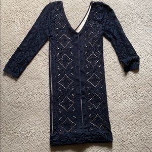 Bodycon mid sleeve dress.